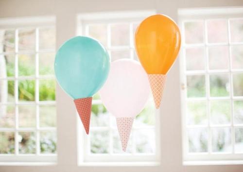 Decoración de cumpleaños con helados. Globos