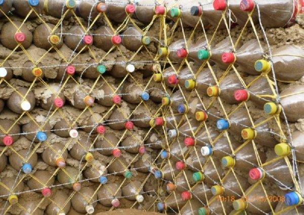 Utilizar Ecoladrillos para construcciones ecológicas y zero-waste